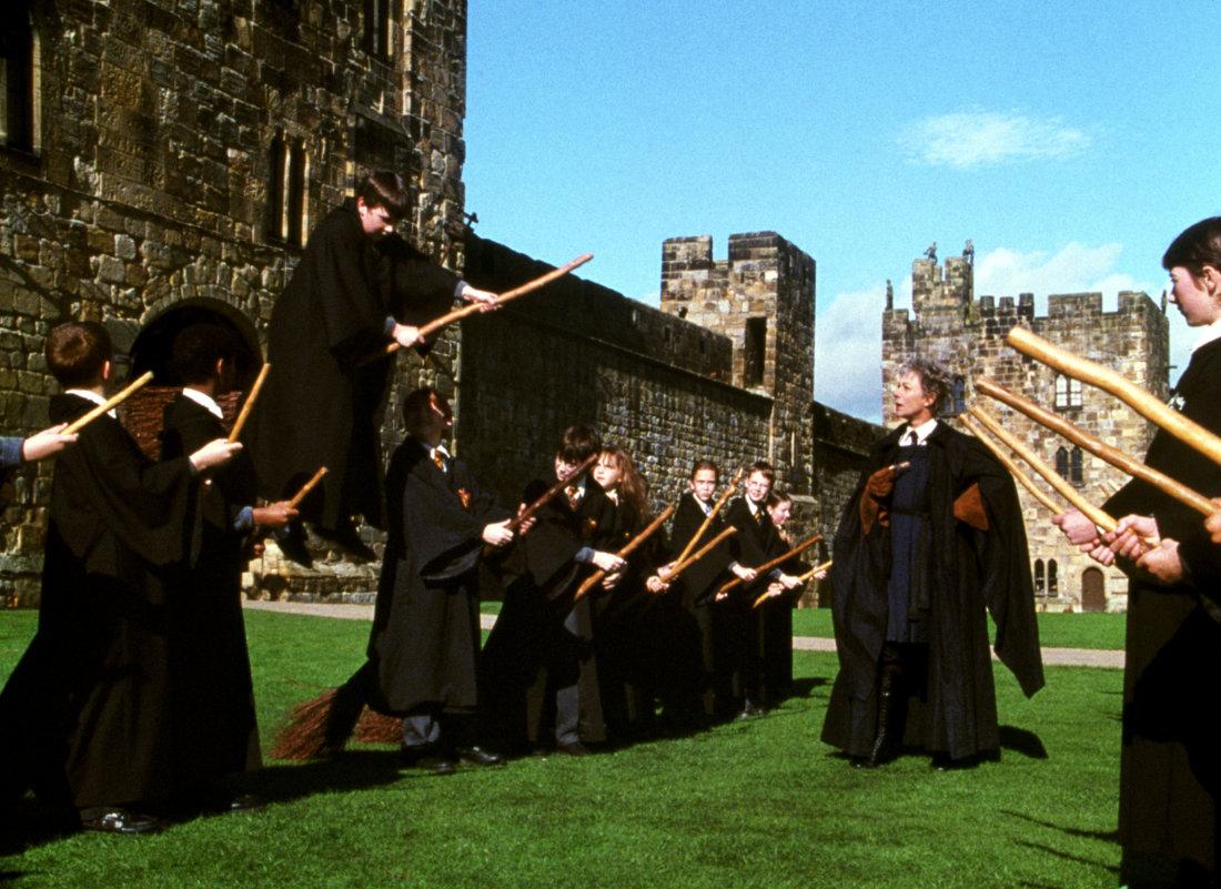 Hogwarts uçuş dersi